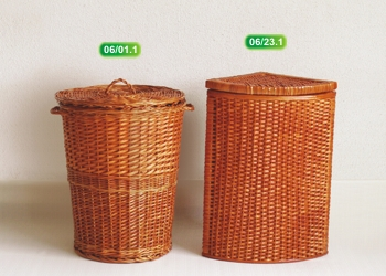 Basket round with moveable cover
